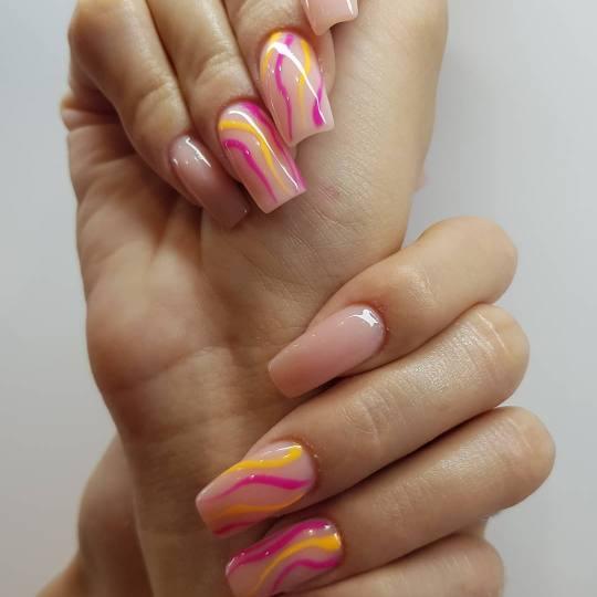 Golden Beauty Shop #beograd Ojačavanje noktiju Geliranje noktiju