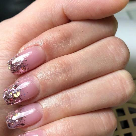 Mademoiselle Beauty #beograd Izlivanje noktiju Izlivanje noktiju gelom - S dužina