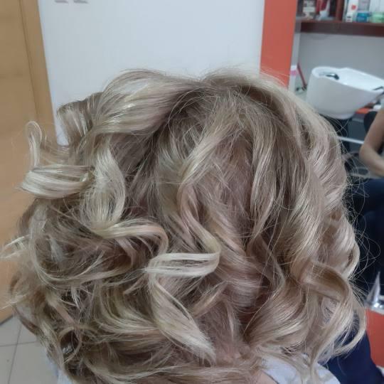 Chic & Shine #beograd Pramenovi Pramenovi na foliju - kosa srednje dužine