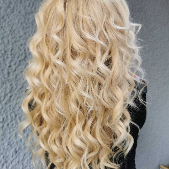Cecix #beograd Feniranje i stilizovanje Feniranje na lokne -  duga kosa Feniranje i stilizovanje