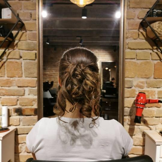 Vanity Hair #beograd Svečane i frizure za svadbu Svečana frizura - ekstra složena