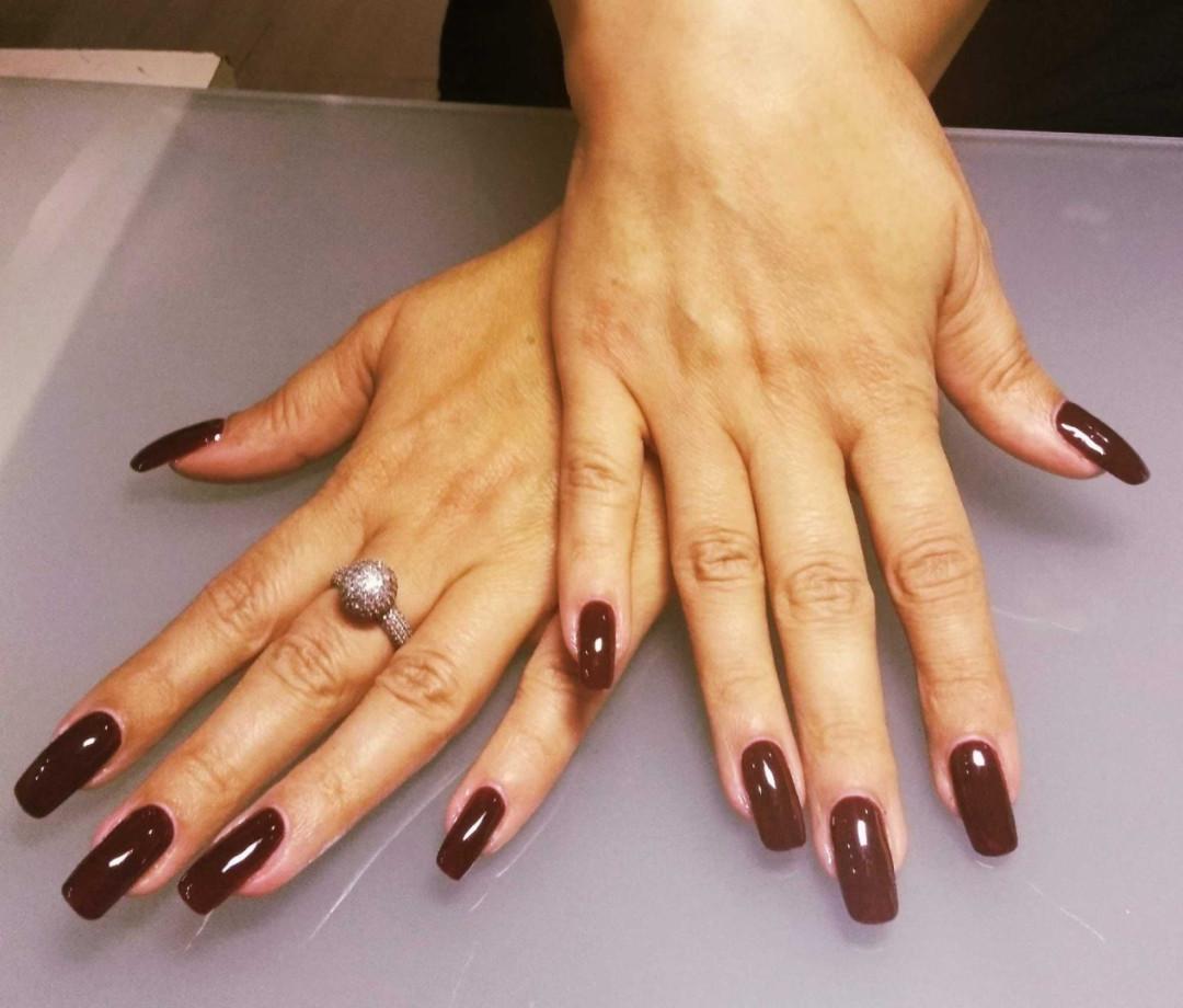 LookBook Sestro slatka Korekcija izlivanja / ojačavanja / nadogradnje noktiju + suvi manikir