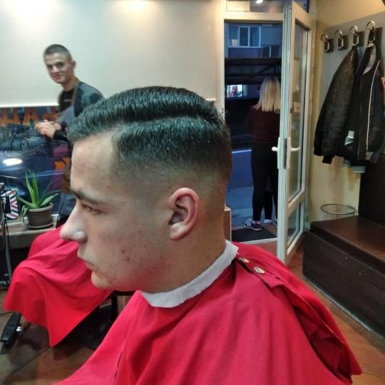 Berbernica Rock & Cut #beograd Muško šišanje Muško šišanje - fade