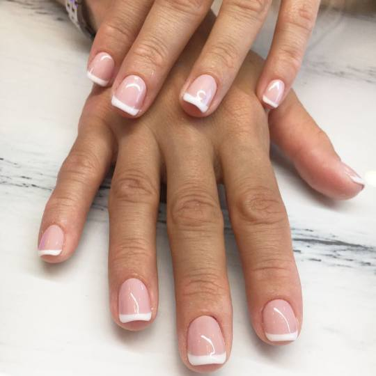 Beauty Station #beograd Ojačavanje noktiju French - dodatak na ojačavanje noktiju gelom
