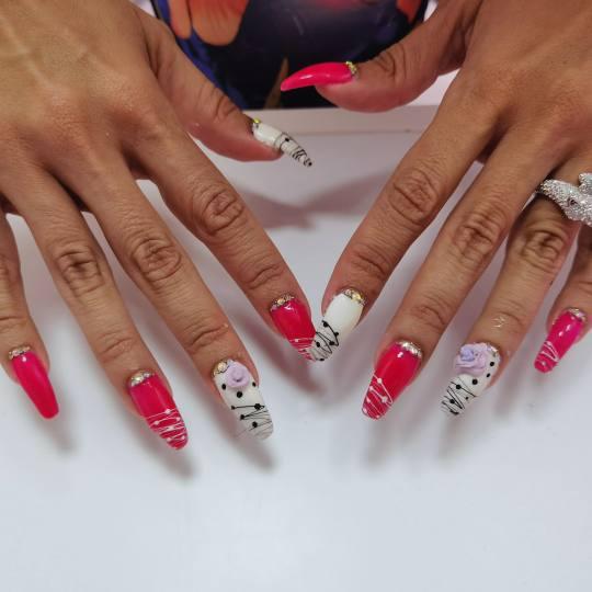 Miss Princess Make up #beograd Izlivanje noktiju Korekcija izlivanja noktiju akrilom - dugi nokti