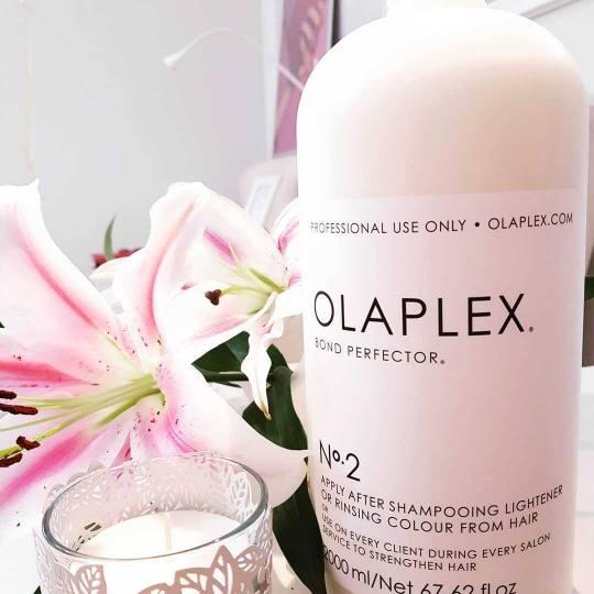 Le Salon #beograd Nega i ojačavanje kose Olaplex tretman + feniranje na ravno / lokne - sve dužine