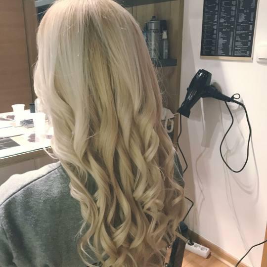 Studio Benvenuto #beograd Farbanje kose Farbanje cele dužine + šišanje + feniranje - duga kosa