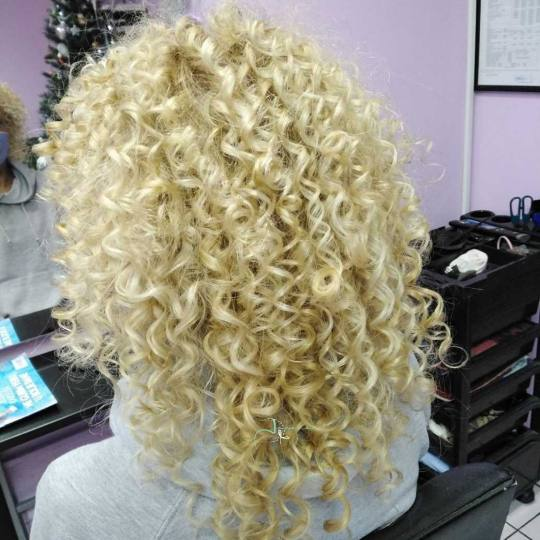 Jovana + #beograd Uvijanje, lokne i talasi Afro lokne - duga kosa
