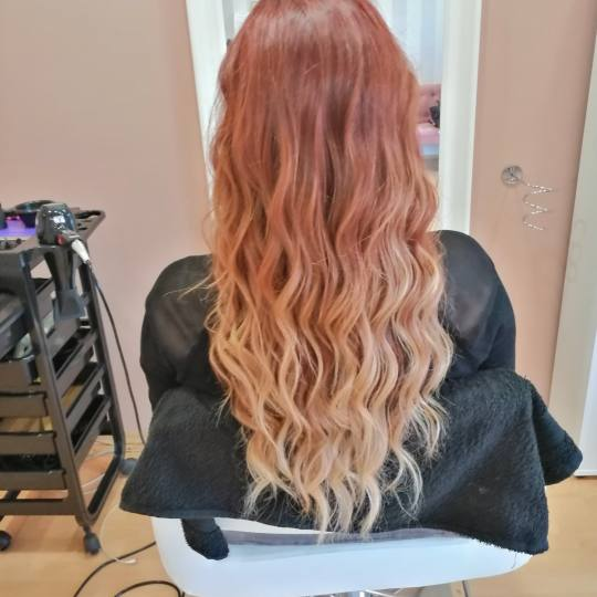 Salon Soul #beograd Feniranje i stilizovanje Feniranje na lokne - duga kosa