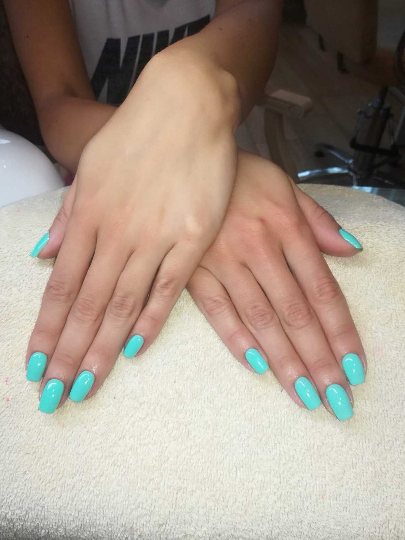 LookBook Bibi beauty centar Izlivanje noktiju gelom - kratki nokti