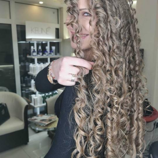 Cecix #beograd Uvijanje, lokne i talasi Afro lokne - ekstra duga kosa afro