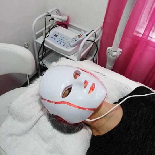 First lady #beograd Tretman lica Tretman LED maskom