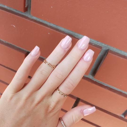 Let's go Ladies #beograd Manikir Izlivanje noktiju gelom- srednja duzina
