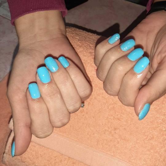 Pretty Woman #nis Ojačavanje noktiju Ojačavanje prirodnih noktiju gelom