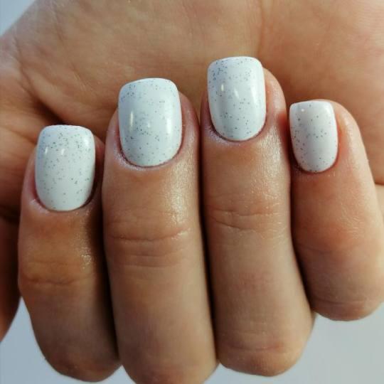 Nail office - TC BIG Rakovica #beograd Korekcija noktiju Korekcija noktiju gelom + boja - Gelish