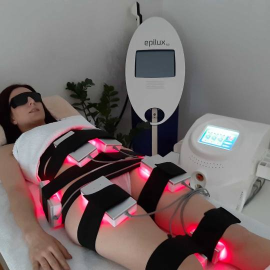 Just You Beauty & Nails #beograd Tretmani za mršavljenje Laserska liposukcija - tretman tela Tretma
