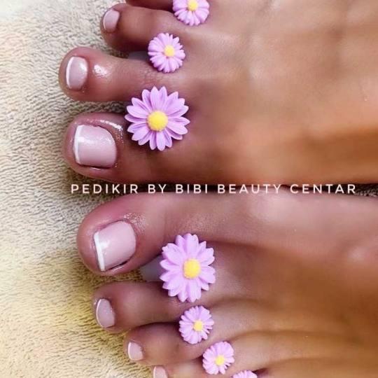 Bibi beauty centar #beograd Medicinski pedikir Medicinski pedikir + lakiranje noktiju spa pedikir