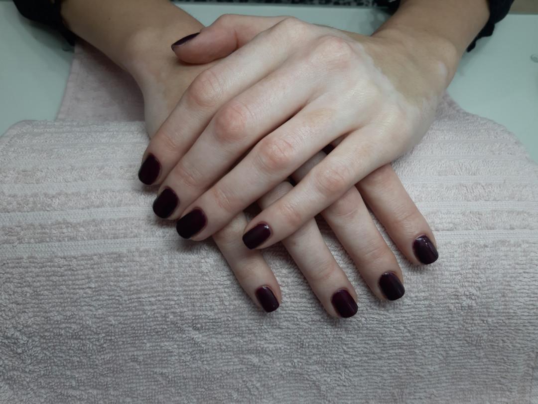 LookBook Tag Beauty Bar Gel lak - ruke