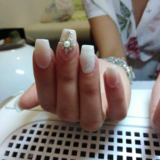 Bella Donna #nis Izlivanje noktiju gelom
