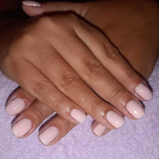 Migun centar relax #beograd Ojačavanje noktiju Ojačavanje prirodnih noktiju gelom + boja Gel