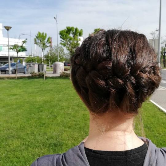 Attitude hair salon #beograd Svečane i frizure za svadbu Svečana frizura - duga kosa