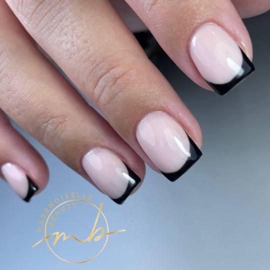 Mademoiselle Beauty #beograd Ojačavanje noktiju Korekcija ojačavanja noktiju gelom - S dužina