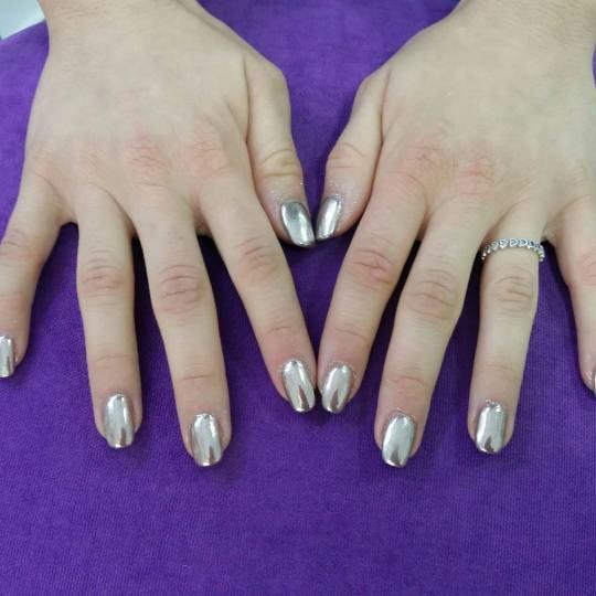 Studio lepote Diferente #beograd Izlivanje noktiju Izlivanje noktiju - 1 boja hrom nokti