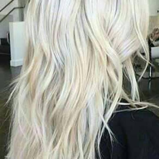 Wow #beograd Feniranje i stilizovanje Feniranje na ravno / talase - ekstra duga kosa talasi
