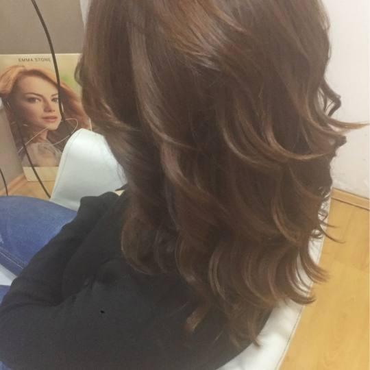 Beauty centar Tinss #beograd Žensko šišanje Žensko šišanje + feniranje na ravno / lokne - kosa