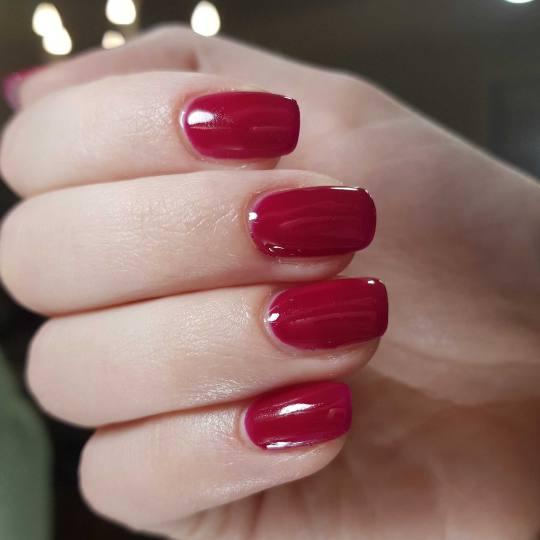 Le Salon #beograd Ojačavanje noktiju Ojačavanje noktiju vitaminskom gel terapijom + gel lak