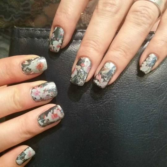 Nebulas M #beograd Izlivanje noktiju Izlivanje noktiju gelom + masaža ruku Nadogradnja noktiju+isct