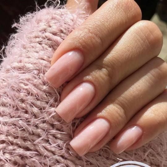 Monami beauty #beograd Ojačavanje noktiju Ojačavanje noktiju M - dužina