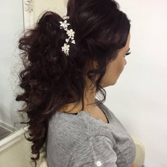 Rič #novisad Make-up / šminkanje Svečana frizura + profesionalno šminkanje sa veštačkim trepav
