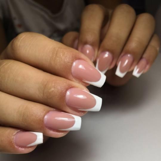 Studio lepote Violet #nis Izlivanje noktiju Izlivanje noktiju