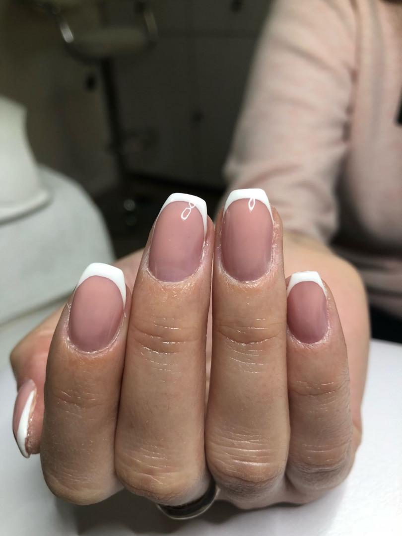 LookBook Olymp Beauty Ojačavanje prirodnih noktiju gelom - french
