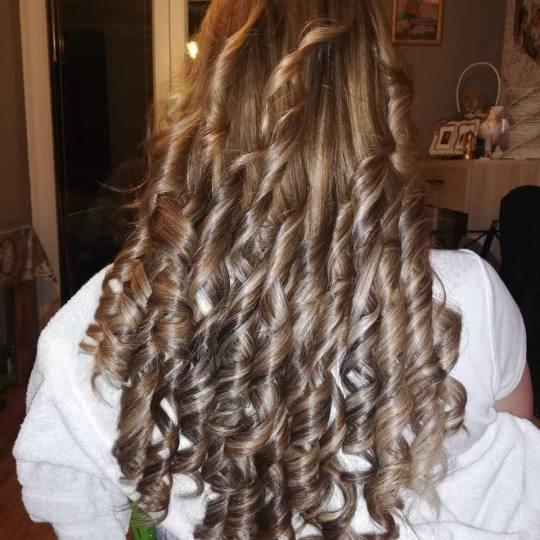 Lepa Plus #beograd Feniranje i stilizovanje Feniranje na lokne - duga kosa Lokne