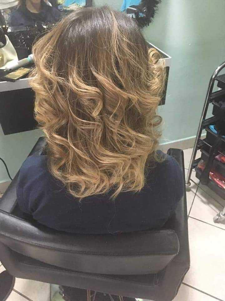 LookBook Bella Donna Lokne figarom / kupom + pranje + oblikovanje - kosa srednje dužine