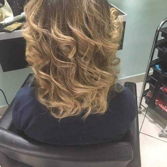 Bella Donna #nis Uvijanje, lokne i talasi Lokne figarom / kupom + pranje + oblikovanje - kosa srednj