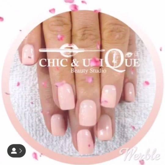 Chic & Unique #beograd Gel lak Korekcija gel laka Korekcija gel-lak nezno roze sa gliterom