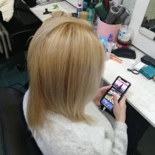 Candir #novisad Feniranje i stilizovanje Feniranje na ravno / lokne - kosa srednje dužine