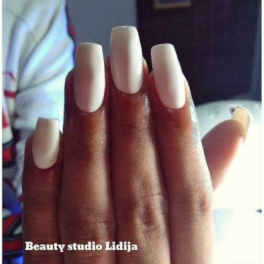 Beauty studio Lidija #beograd Izlivanje noktiju Izlivanje noktiju gelom