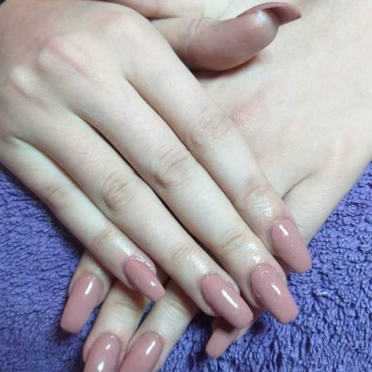 Million #beograd Ojačavanje noktiju Ojačavanje noktiju gelom u boji nadogradnja noktiju