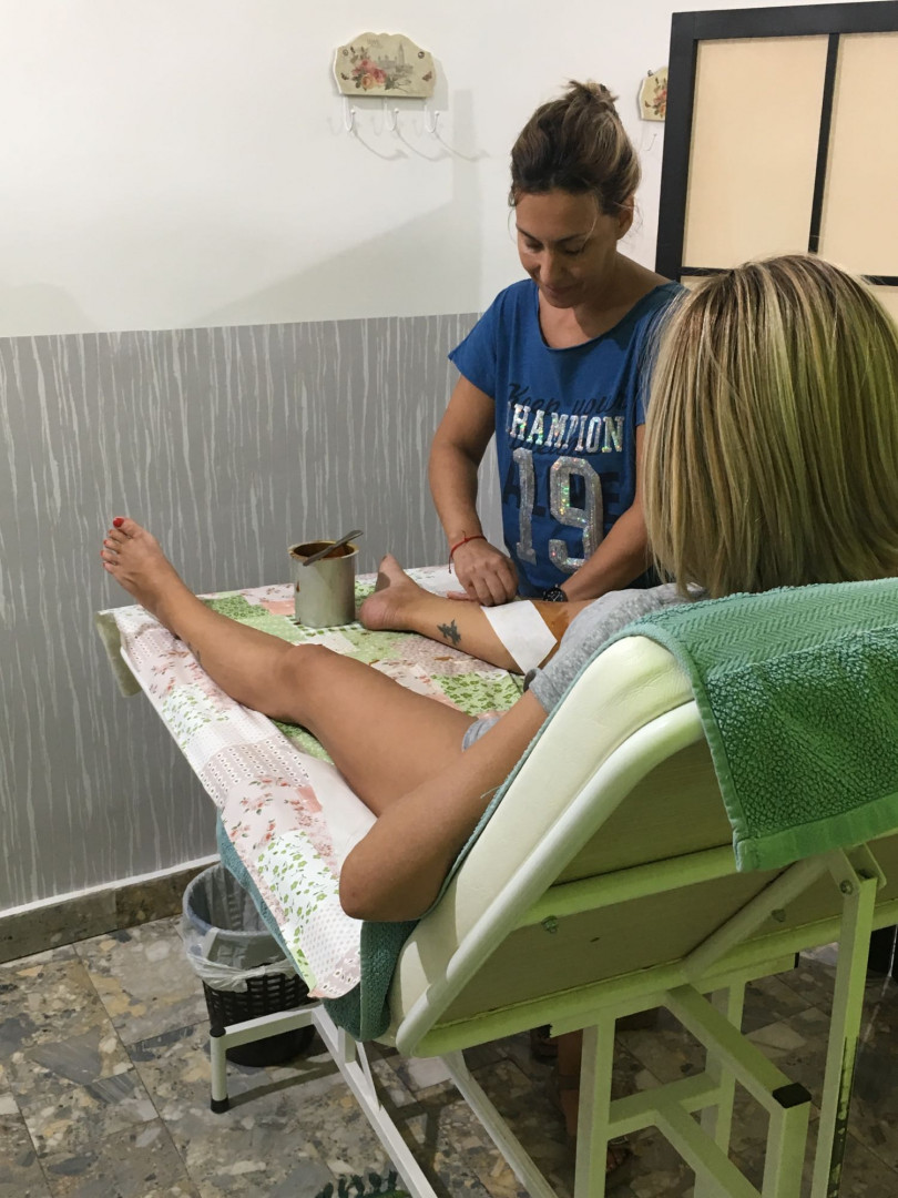 LookBook Brilijantin Passage Depilacija celih nogu + prepone šećernom pastom - za dame