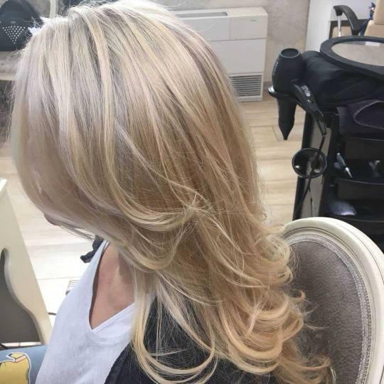 Bibi beauty centar #beograd Farbanje kose Farbanje cele dužine - kosa srednje dužine tretman kose