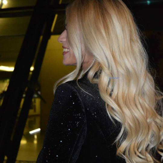 Jovana + #beograd Feniranje i stilizovanje Feniranje na ravno / lokne - ekstra duga kosa