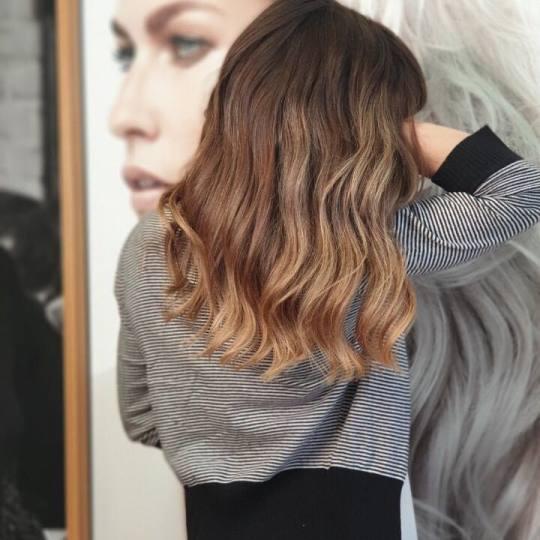Studio Benvenuto #beograd Feniranje i stilizovanje Feniranje + lokne - duga kosa feniranje