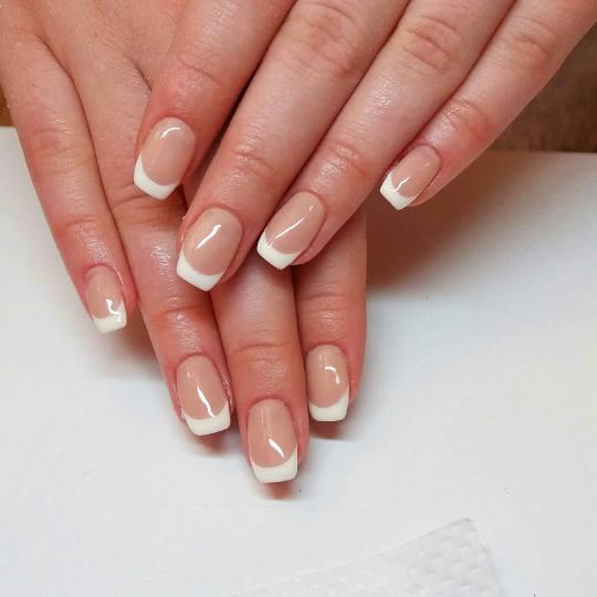 Rustik Nails #beograd Korekcija noktiju Korekcija ojačavanja noktiju gelom - french
