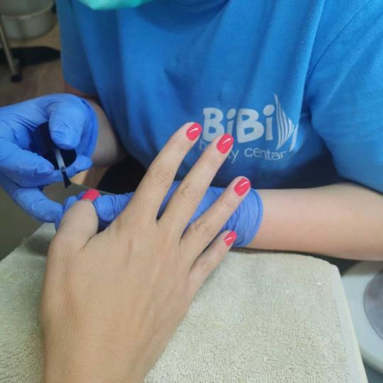 Bibi beauty centar #beograd Ojačavanje noktiju Ojačavanje prirodnih noktiju gelom