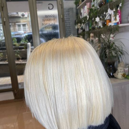 Gagi #beograd Farbanje kose Skidanje boje blanšem - kratka kosa blajhanje kose