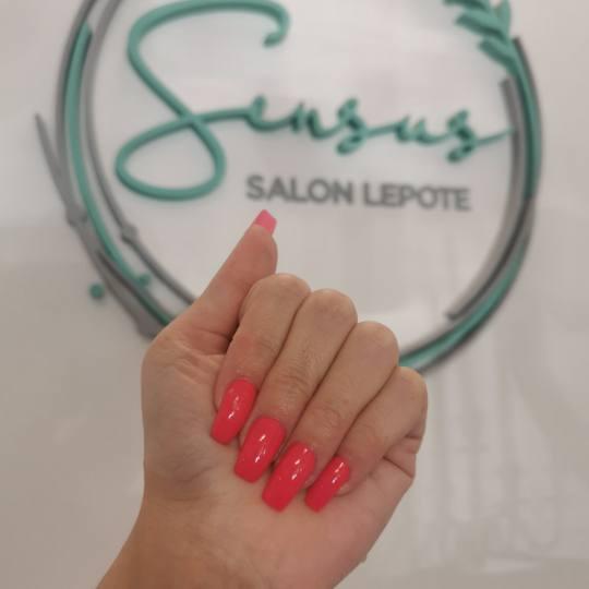 Sensus #beograd Nadogradnja noktiju Nadogradnja noktiju tipsama